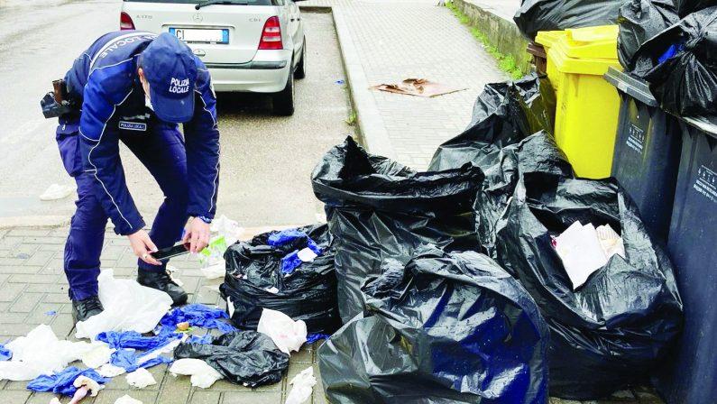Matera, il sindaco sfida gli sporcaccioni