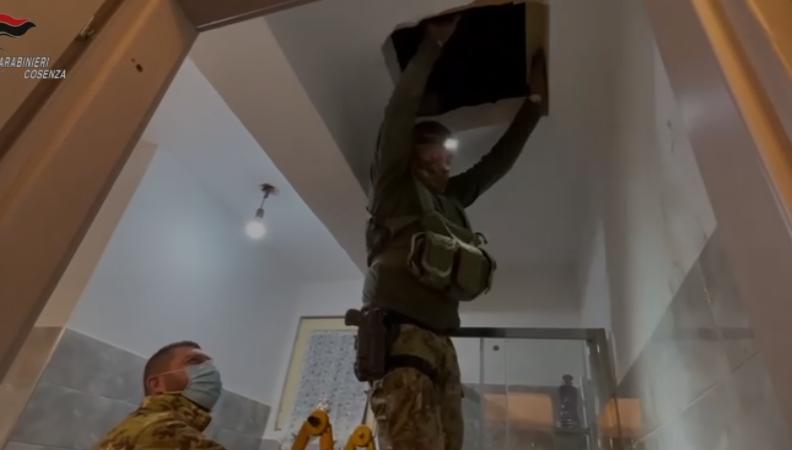 Operazione contro la cosca Muto nel Cosentino, scoperti un bunker e droga
