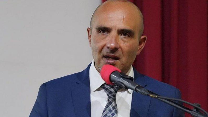 Il sindaco di Acri scuote il Pd: «Ma perchè non votare de Magistris?»