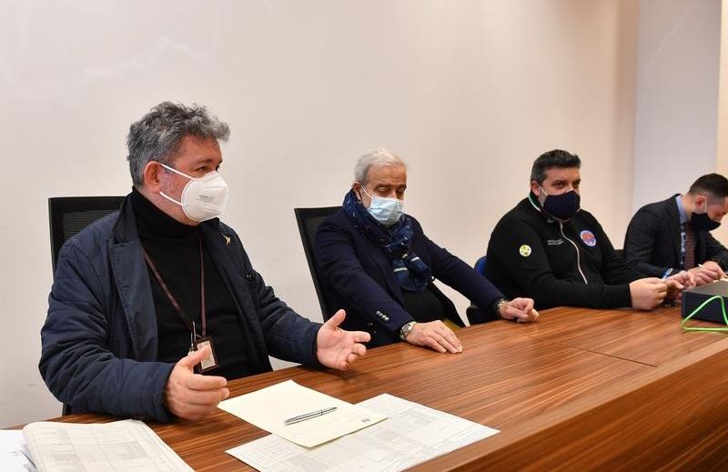 Nino Spirlì e Guido Longo durante la riunione dell'Unità di crisi