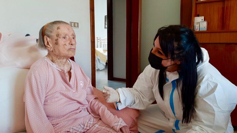 """Picerno, vaccinata una """"nonnina"""" di 109 anni"""