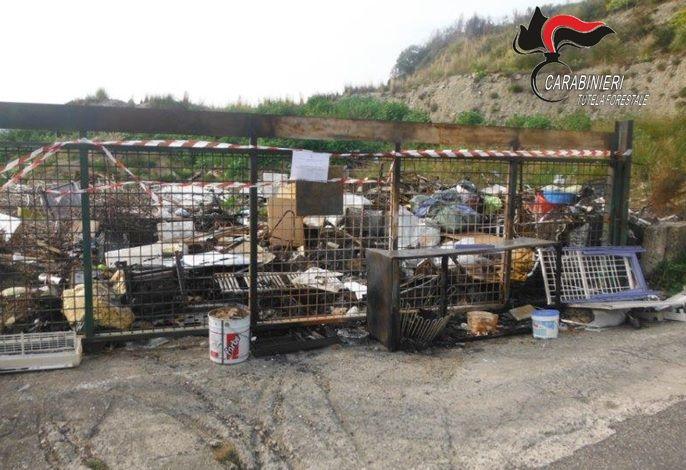Ambiente: discarica illecita di rifiuti, denunciati sindaco del Catanzarese e dipendente comunale