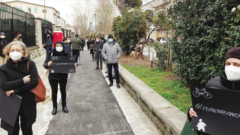 """Pista ciclabile ad e proteste ad Avellino: """"Ora fuori i responsabili"""""""