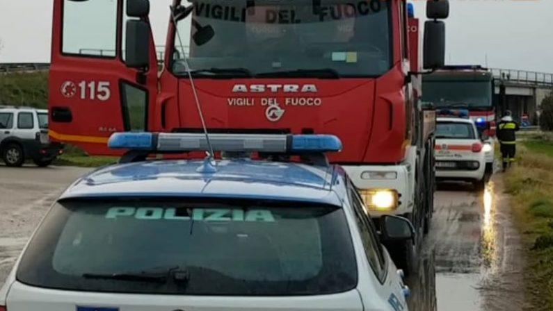 Poliziotti salvano un'intera famiglia nel Crotonese da un incendio dell'abitazione