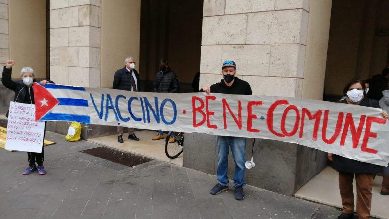 Salerno, presidio del Coordinamento Salute: il sindaco accetta incontro