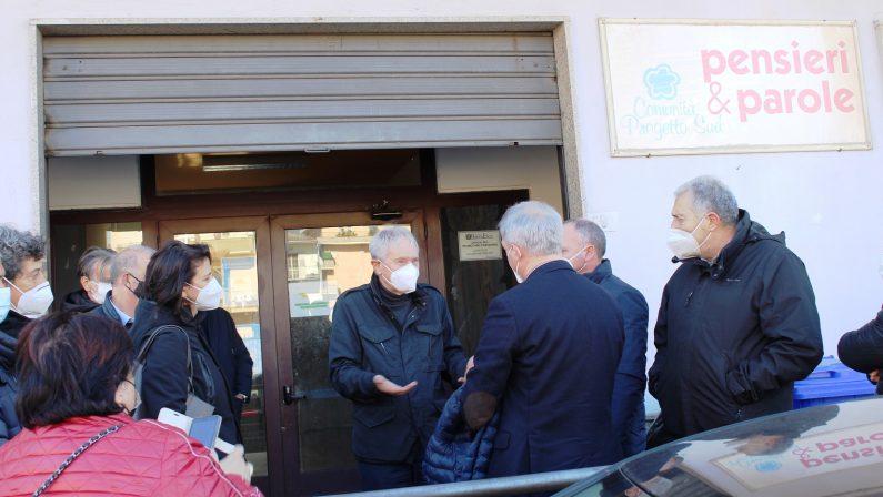 Criminalità, serie di intimidazioni alla Comunità Progetto Sud di don Giacomo Panizza