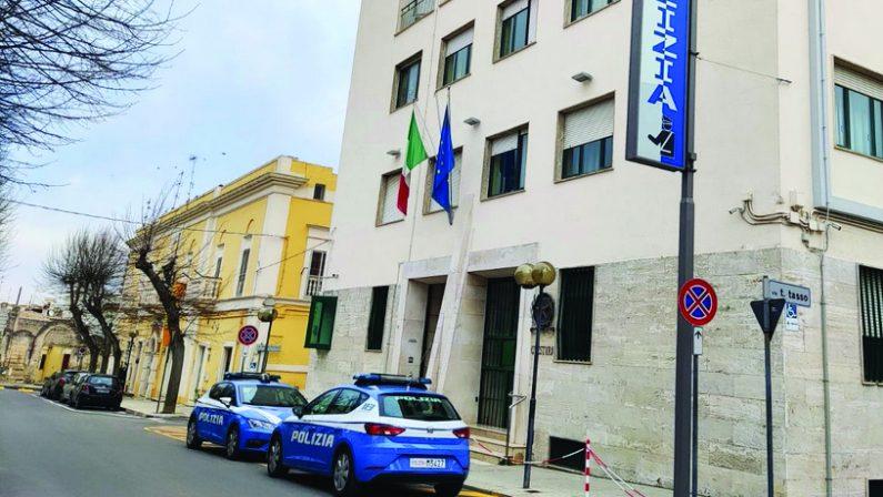 Matera, aggredisce i titolari del bar dove lavorava la sua compagna: arrestato un 44enne