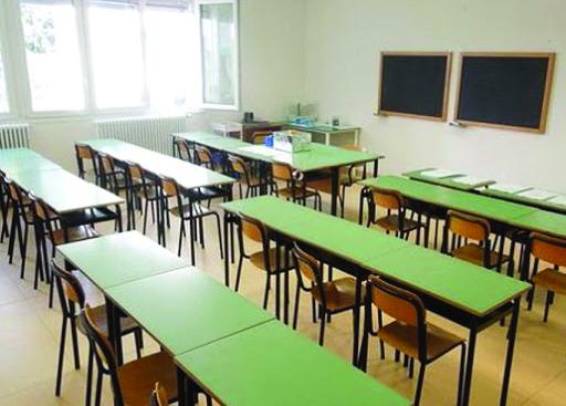 Banchi vuoti nelle scuole