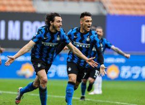 L'Inter sfonda con Darmian, Cagliari ko e +11 sul Milan