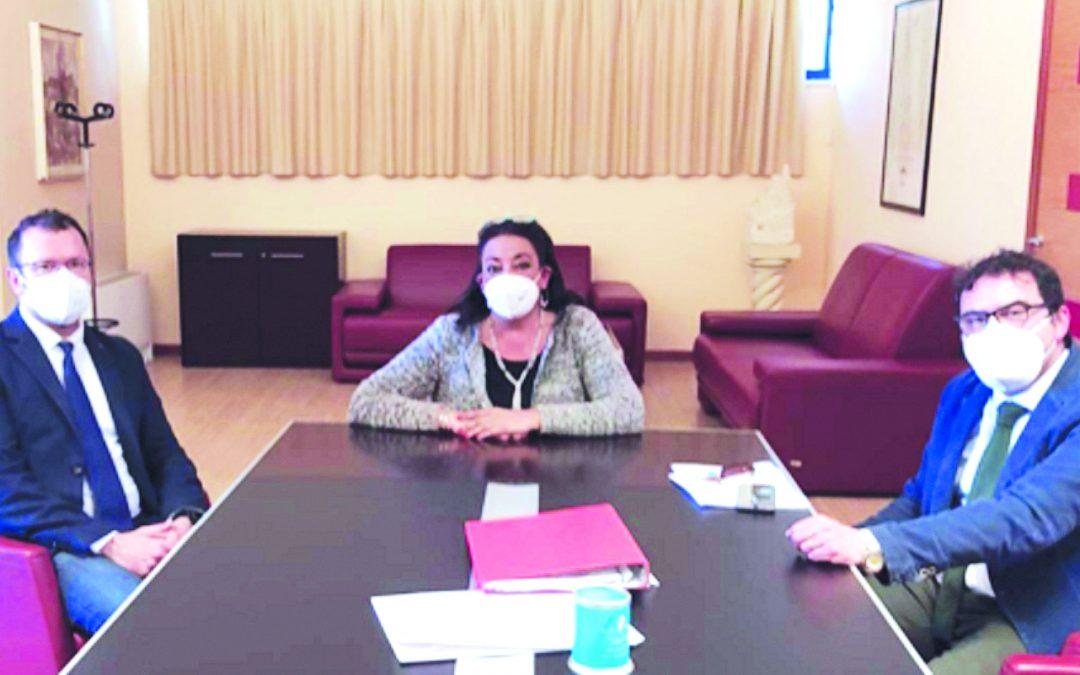 Il sindaco Bennardi con la commissaria Asm Pulvirenti e l'assessore Tantone