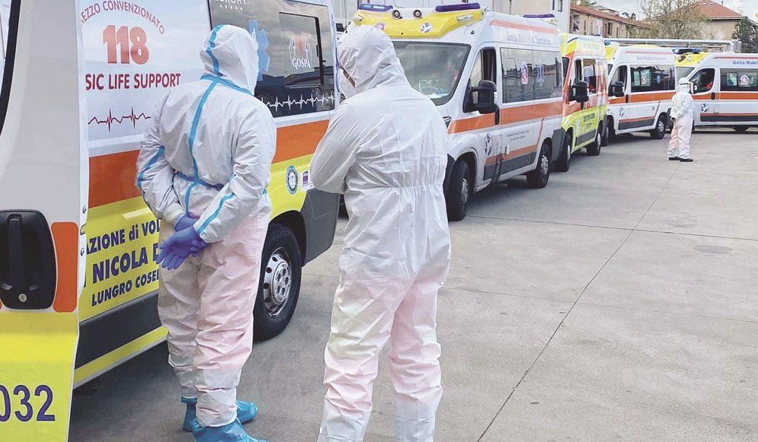 Ambulanze in coda al Pronto soccorso