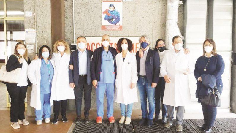 Buffet all'ospedale di Cetraro, il responsabile: «Tutto secondo le regole»