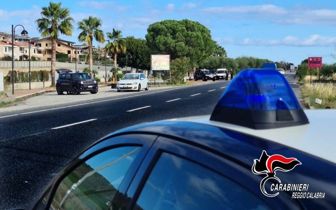 Controlli dei carabinieri sulla statale 106