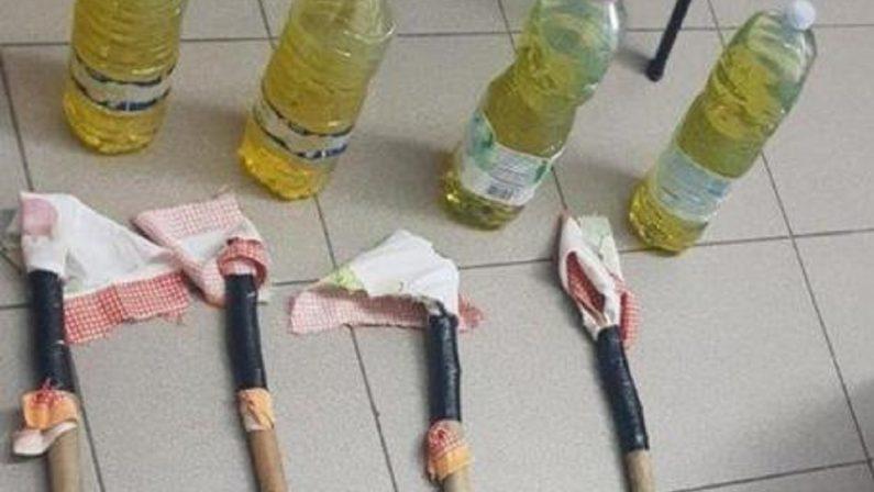 Denunciati due fratelli nel Cosentino, avevano in casa quattro bottiglie incendiarie