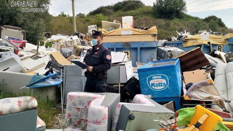 Rifiuti, sequestrata un'isola ecologica nel Cosentino: era una discarica abusiva