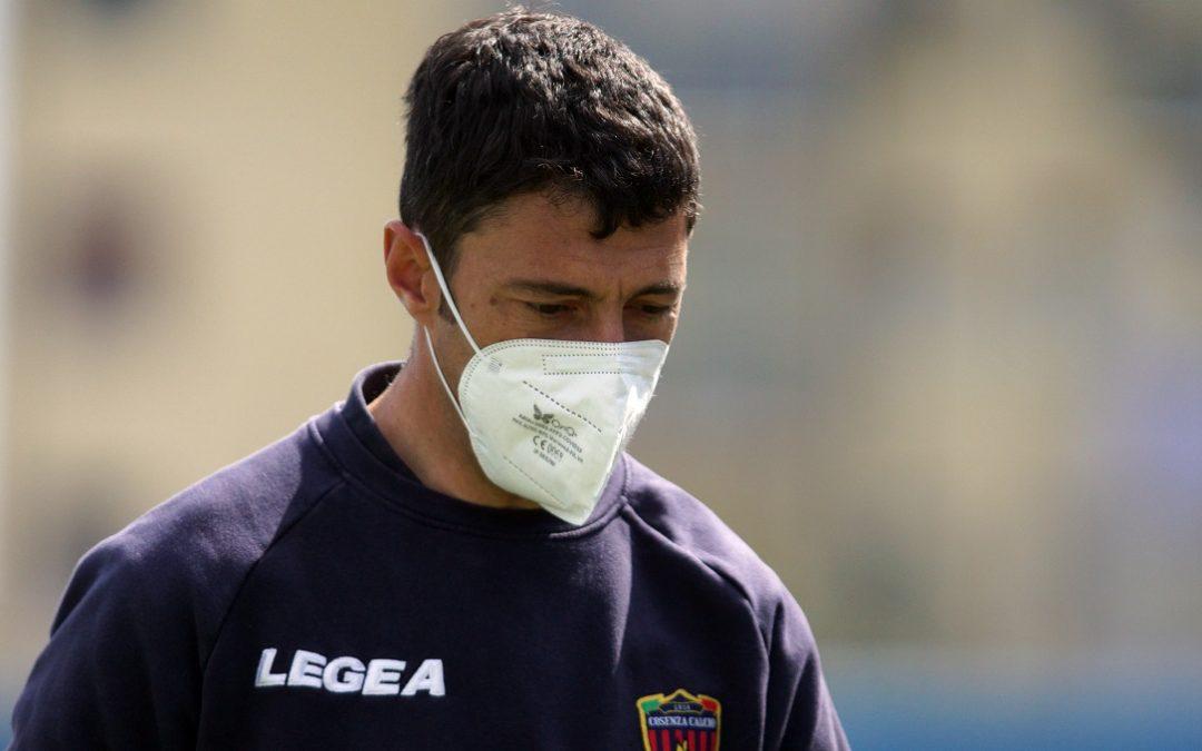 L'allenatore del Cosenza Roberto Occhiuzzi