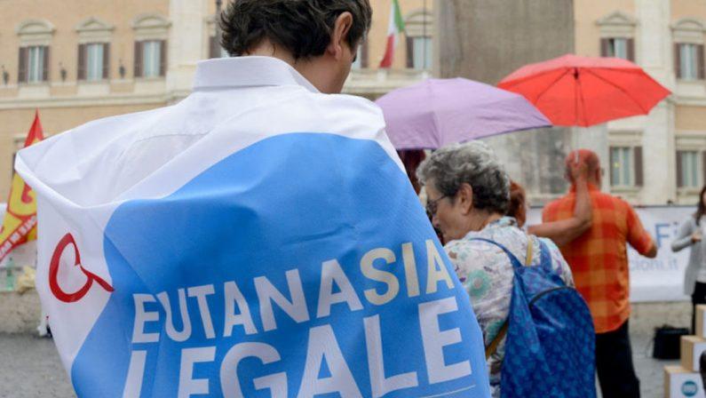 Depositata in Cassazione la richiesta per il referendum sull'eutanasia legale