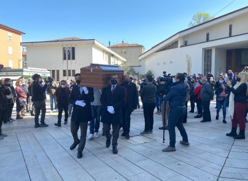 Omicidio Avellino: l'ultimo addio a Aldo Gioia