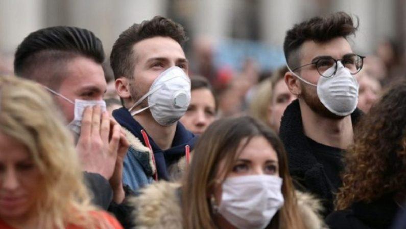 Vaccini a quota 24 milioni, Sileri: «A fine giugno via la mascherina all'aperto»