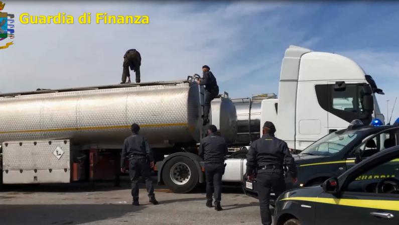 'Ndrangheta, mega impianto petrolifero nel mare di Vibo: il progetto faraonico dei Mancuso