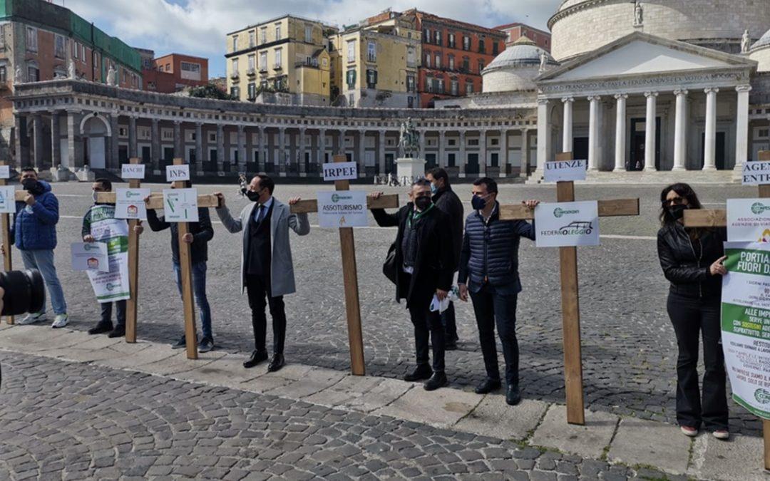 COMMERCIANTI IN RIVOLTA IN TUTTA ITALIA: «FATECI RIAPRIRE, SIAMO ALLA FAME»
