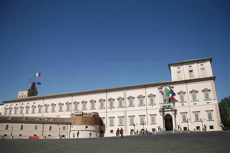 L'ITALIA STA CAMBIANDO, LA POLITICA NO