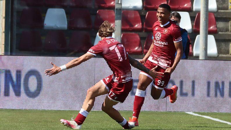 Serie B, la Reggina ora vede i playoff: Reggiana battuta 2-1
