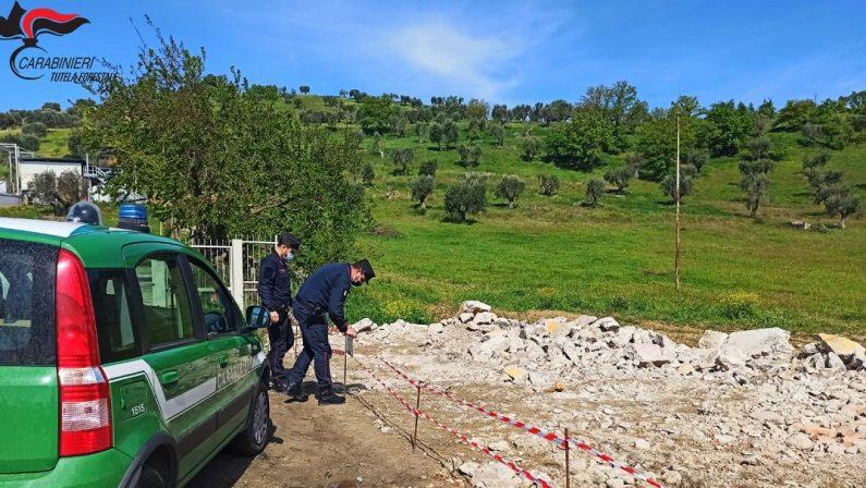 Smaltimento illecito di rifiuti speciali, sequestrata area e 3 denunce nel Cosentino