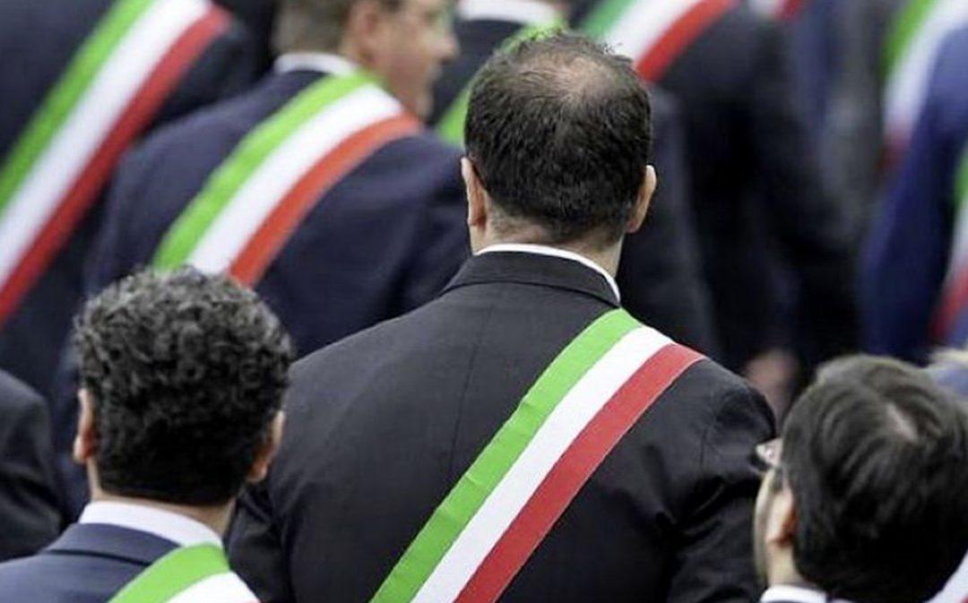 PIÙ SOLDI DENTRO IL RECOVERY SUD: LA PROTESTA DELLE FASCE TRICOLORI