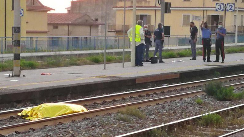 Cetraro: 22enne travolto e ucciso da un treno, si pensa a un suicidio