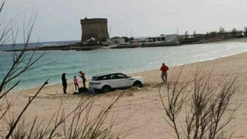 Rally su una spiaggia protetta del Salento, multa e denuncia per una famiglia cosentina