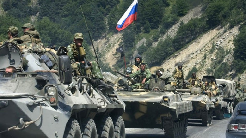 Truppe russe al confine con l'Ucraina