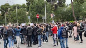 Covid, monta protesta acconciatori ed estetiste a Palermo