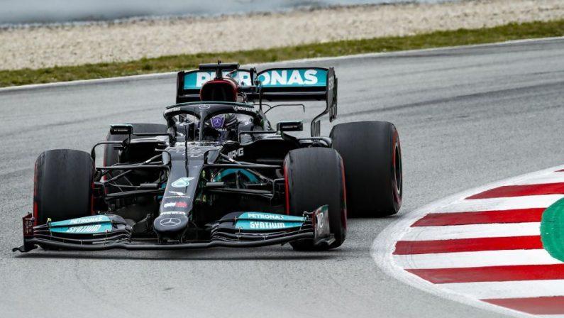 Formula 1, Lewis Hamilton vince in Spagna, quarta la Ferrari di Leclerc