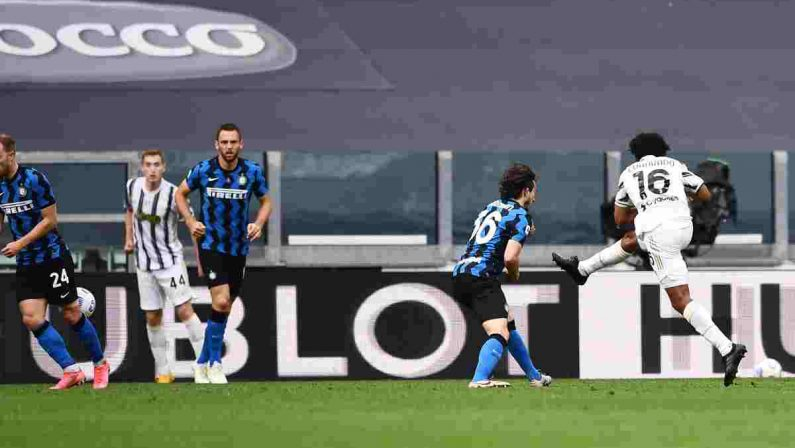 Serie A, la Juve batte 3-2 l'Inter e resta in corsa per la Champions