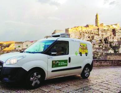 Il furgone di CiBus in giro per Matera