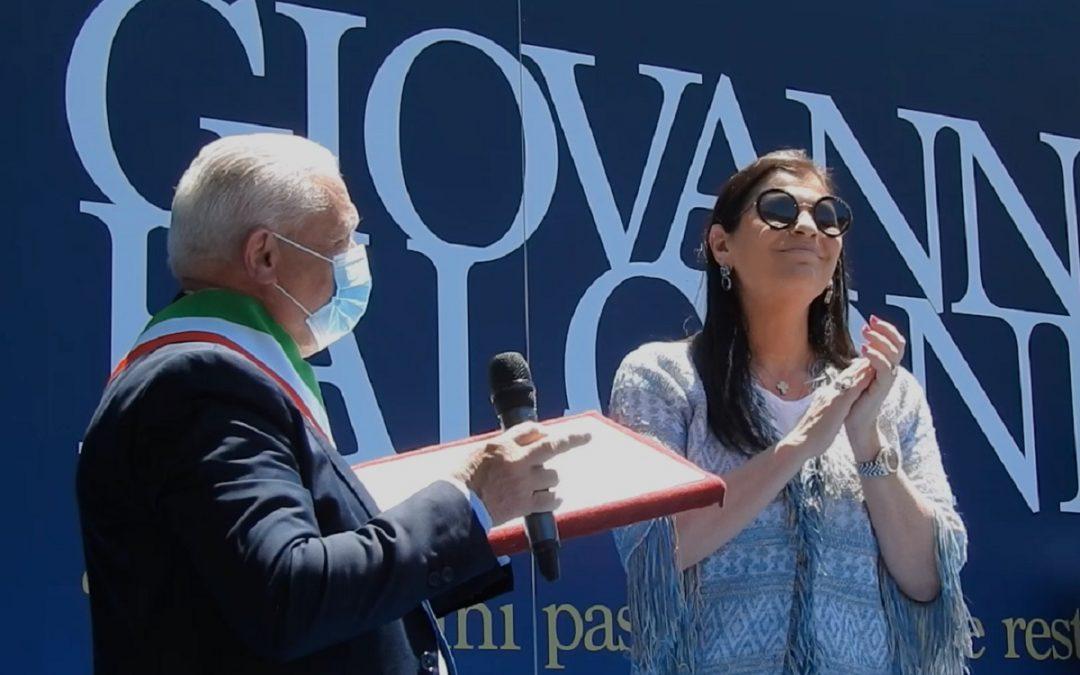 Il sindaco Bartolo con Jole Santelli a San Luca il 23 maggio 2020