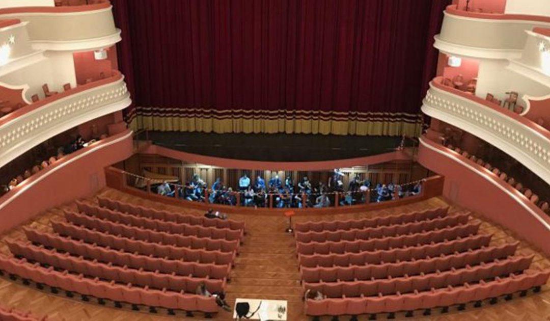 La platea del teatro Politeama di Catanzaro