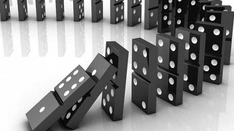 Il terremoto Irto ultima tessera dell'effetto domino innescato da De Magistris