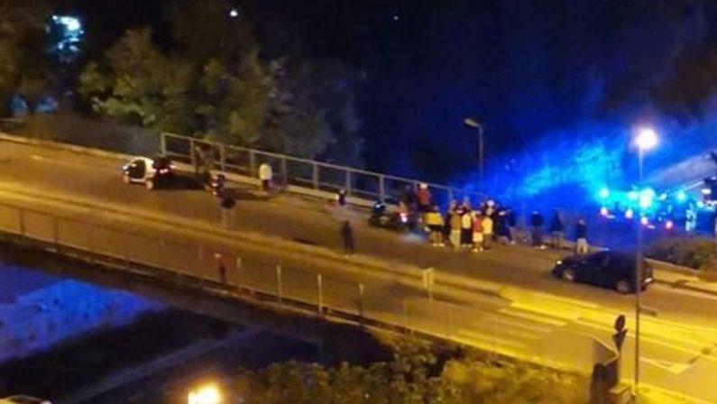Tragedia nella notte a Matera, muore un motociclista 30enne