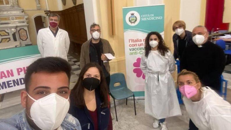 FOTONOTIZIA - Brunori in fila per il vaccino Covid-19 a Mendicino