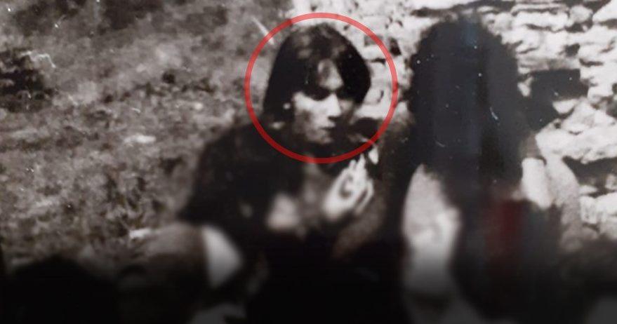 Mirella Spadafora in una foto d'epoca (la donna è nel tondino cerchiato in rosso)