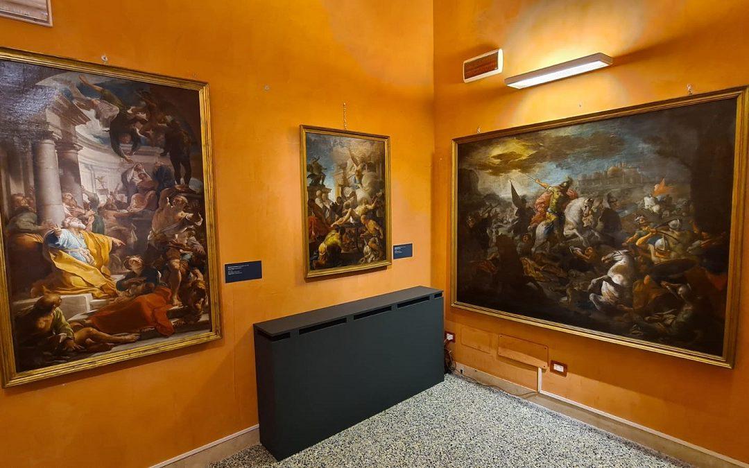 Alcuni dipinti esposti nella mostra