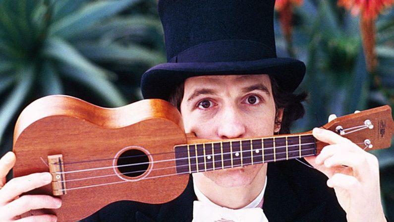 """40 anni senza Rino Gaetano, l'omaggio della Fondazione """"Una casa per Rino"""" passa dall'ukulele"""