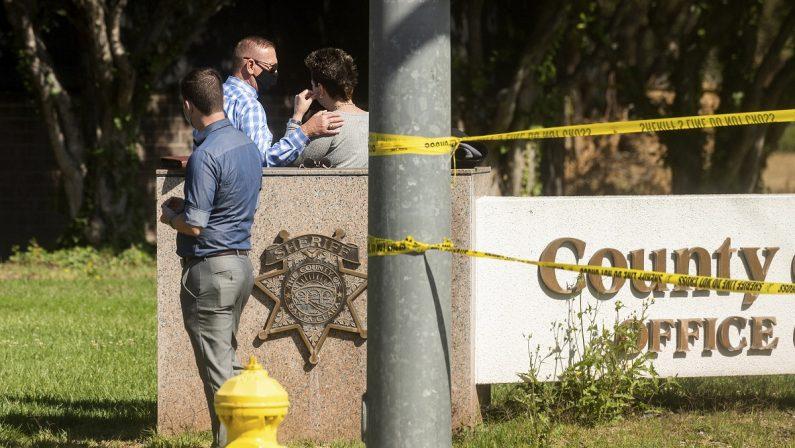 Strage in California, otto persone morte in una sparatoria