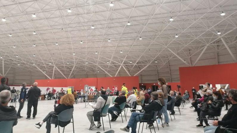 Cancelli sbarrati all'hub di Catanzaro, la modifica degli orari ha colto tutti impreparati