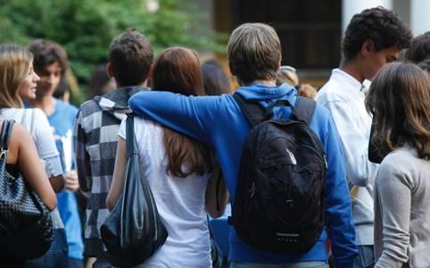 """""""A scuola di salute"""", il sondaggio di Cittadinanzattiva rivolto ai giovani tra 14 e 19 anni"""
