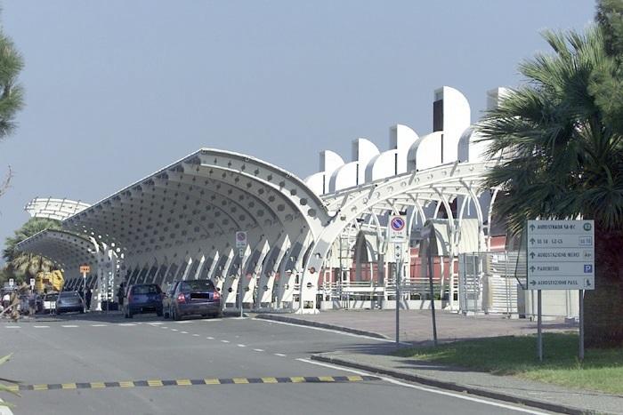 La strategia di Sacal per uscire dalla crisi, De Metrio: «I tre aeroporti sono tutti utili»