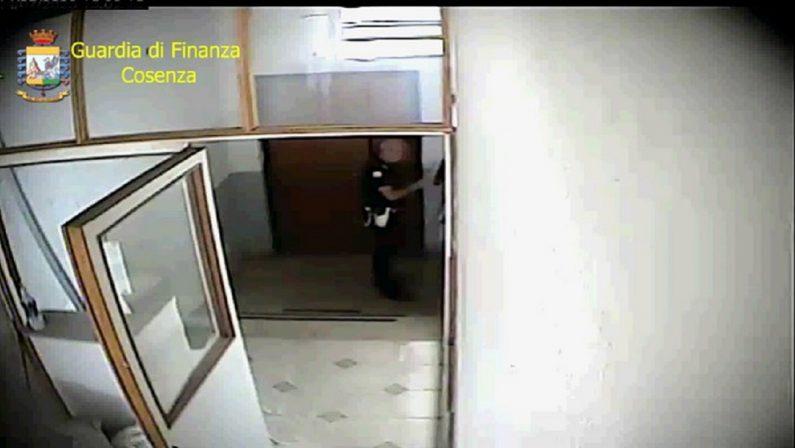 Assenteismo, sospeso per tre mesi un funzionario della Polizia locale nel Cosentino