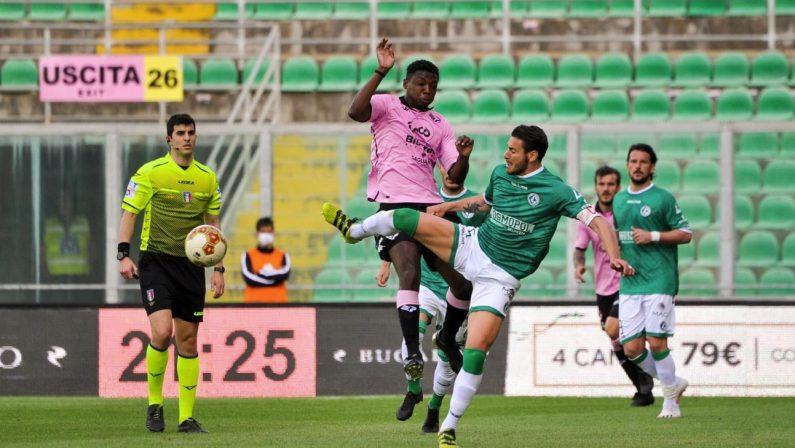 Calcio: rigore dubbio, l'Avellino cade con il Palermo